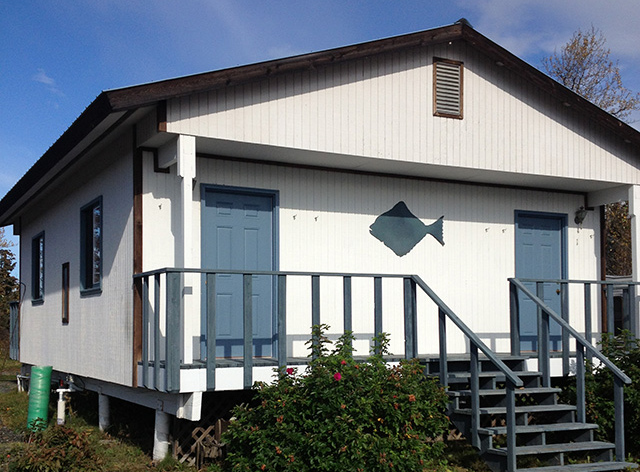 """The """"Inn"""" room lodging available in Ninilchik with Gotta Fish Charters"""